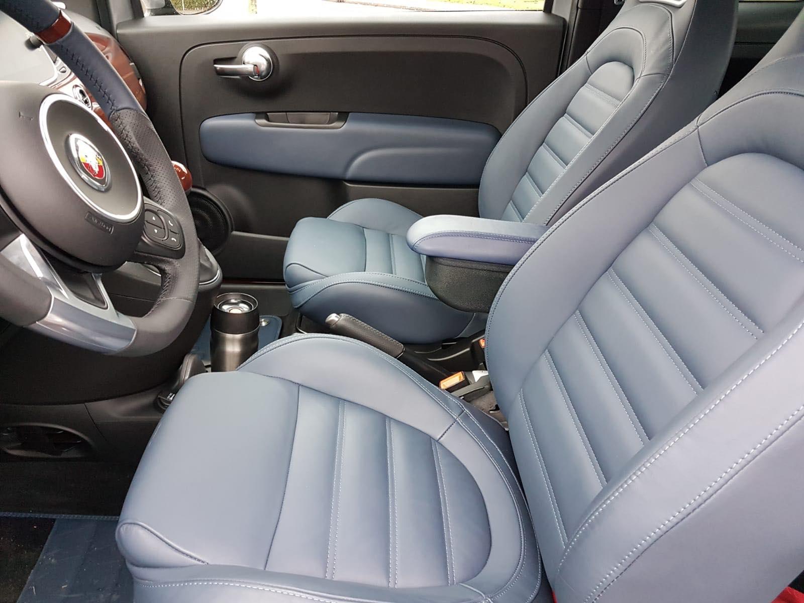 Armsteun type Classic op kleur gemaakt voor een Fiat 500 Riva 2019
